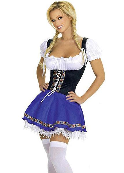 Баварская официантка в чулках фото 462-210